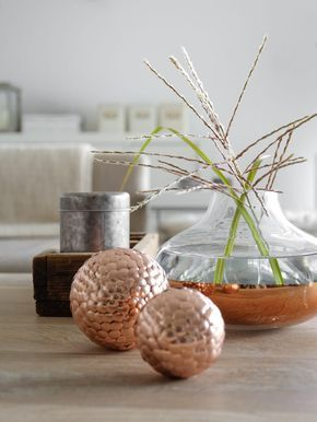 Bolas de natal decorativas com tachinhas