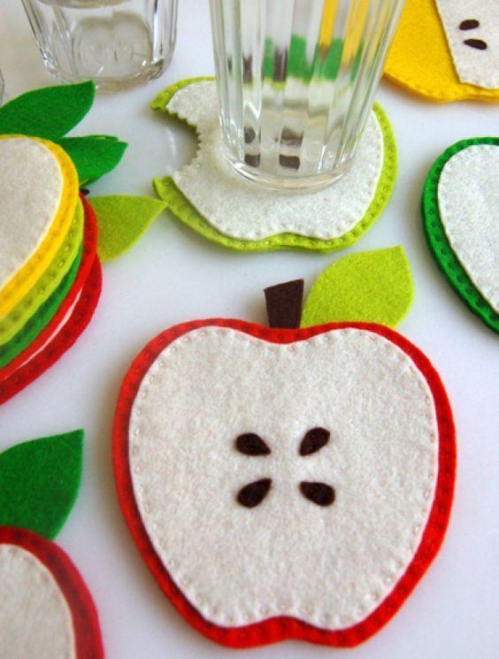 porta copo de maçã em feltro