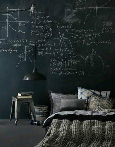 quarto com parede pintada