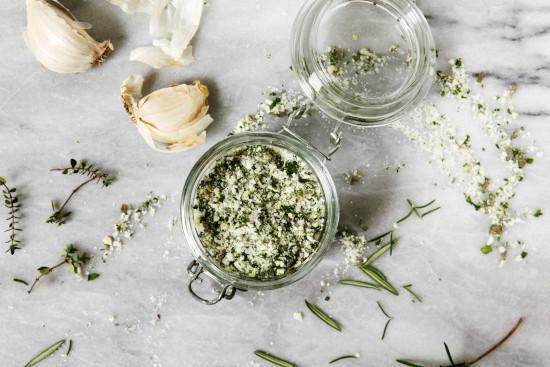 como fazer sal de ervas
