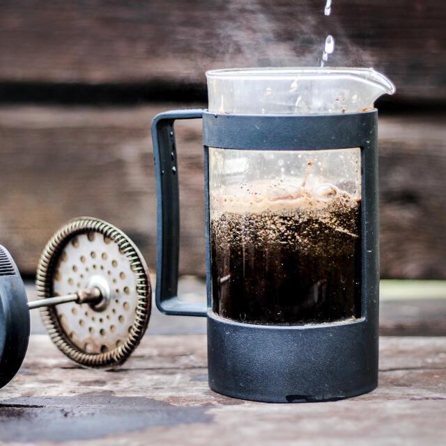 como fazer café na cafeteira francesa