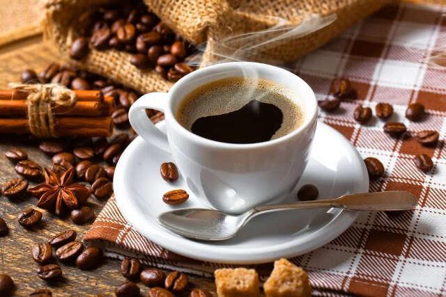 como moer café em casa